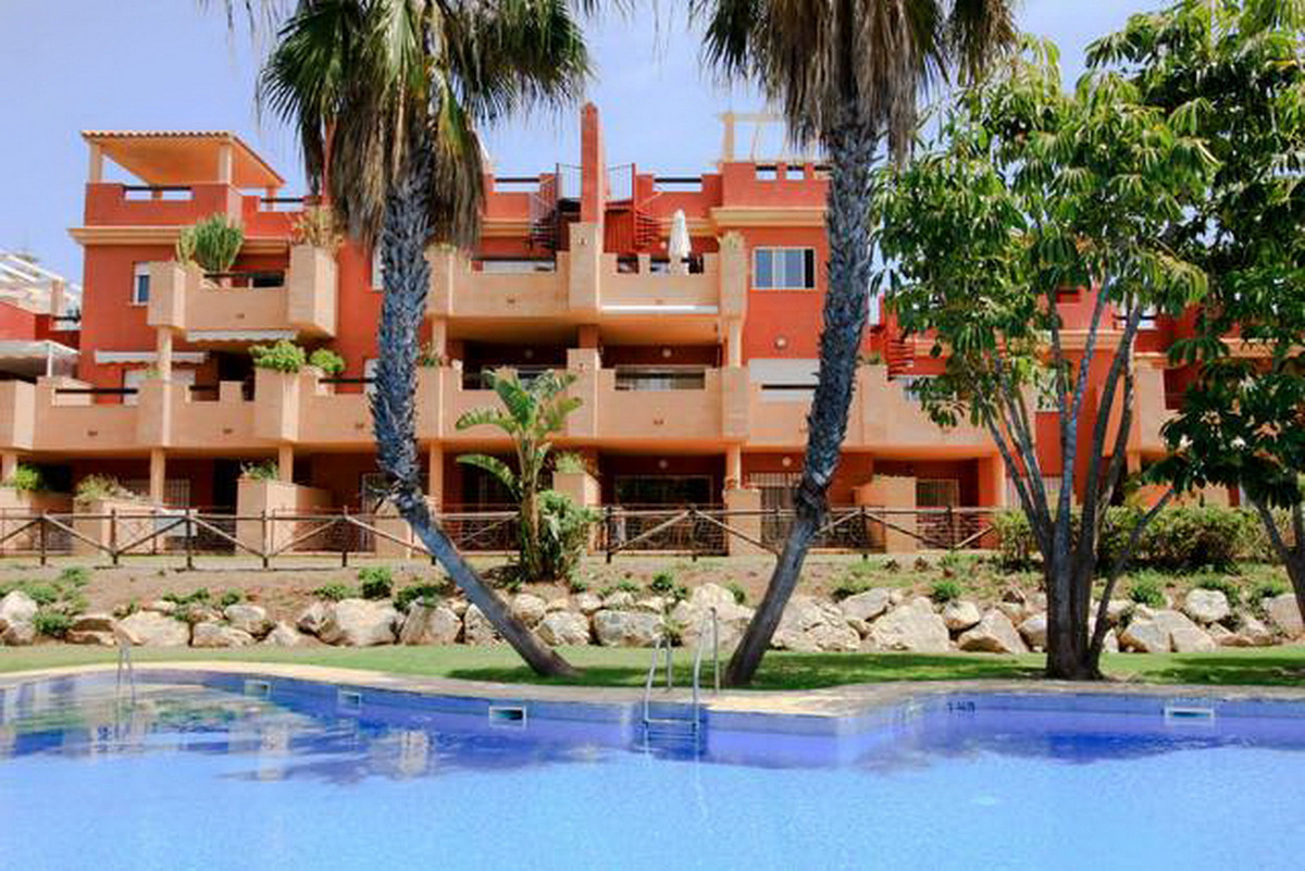 Middle Floor Apartment, Las Chapas, Costa del Sol. 2 Bedrooms, 2 Bathrooms, Built 103 m².  Orientati, Spain