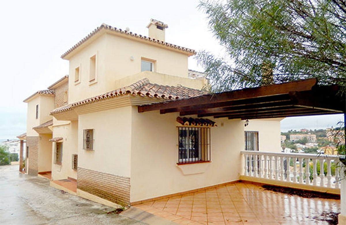 Townhouse, Torreblanca, Costa del Sol. 2 Bedrooms, 3 Bathrooms, Built 159 m².  Setting : Close To Go, Spain