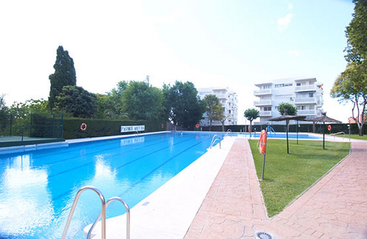 Apartment Middle Floor El Padron Málaga Costa del Sol R3555322