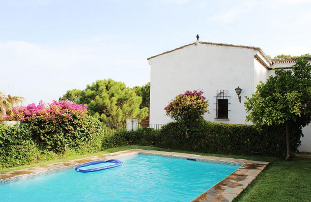 House - Estepona - R3810748 - mibgroup.es