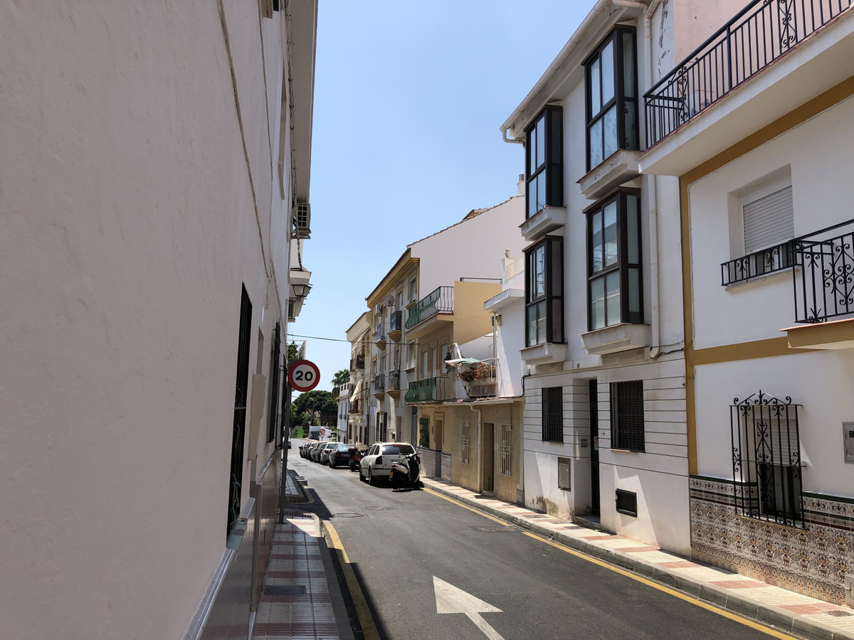 1 Bedroom Middle Floor Apartment For Sale Arroyo de la Miel, Costa del Sol - HP3499453