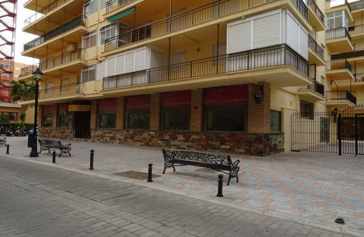 Commercial premises adapted as a cafeteria in Los Boliches, Fuengirola. It has an area of ??264 m², ,Spain