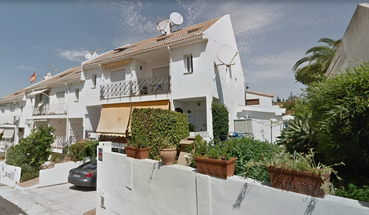 Townhouse, Calahonda, Costa del Sol. 2 Bedrooms, 2 Bathrooms, Built 217 m².  Setting : Close To Sea,, Spain