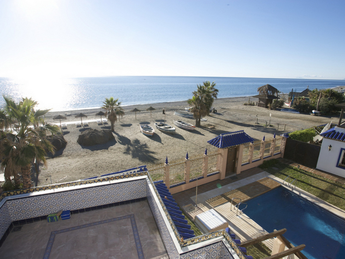 Middle Floor Apartment, San Pedro de Alcantara, Costa del Sol. 4 Bedrooms, 3 Bathrooms, Built 162 m²,Spain