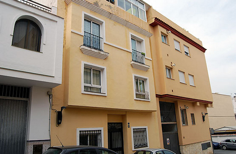 Middle Floor Apartment in Las Lagunas for sale