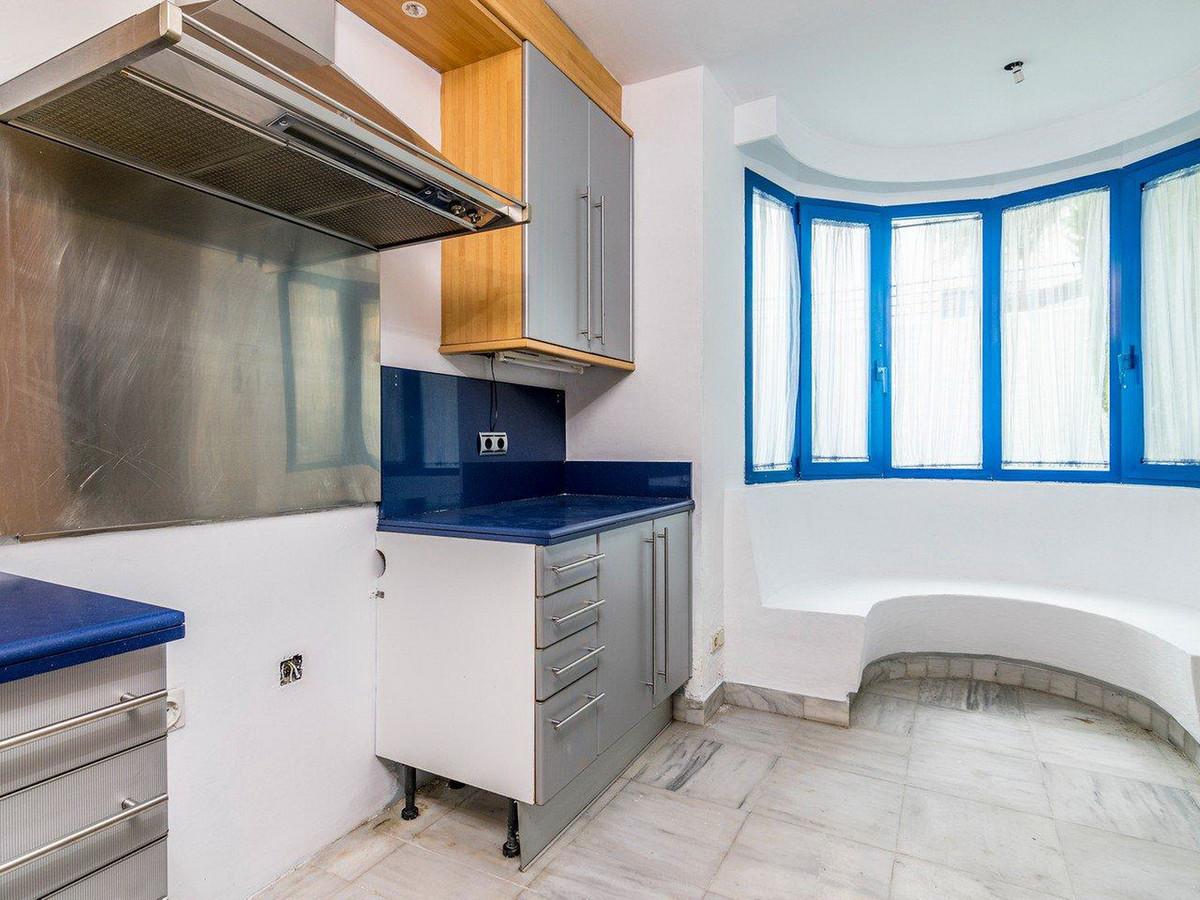 Apartamento Planta Media en Venta en Marbella – R3510745