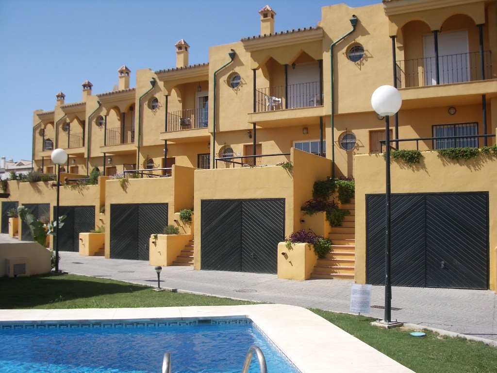 3 bed Villa for sale in Manilva