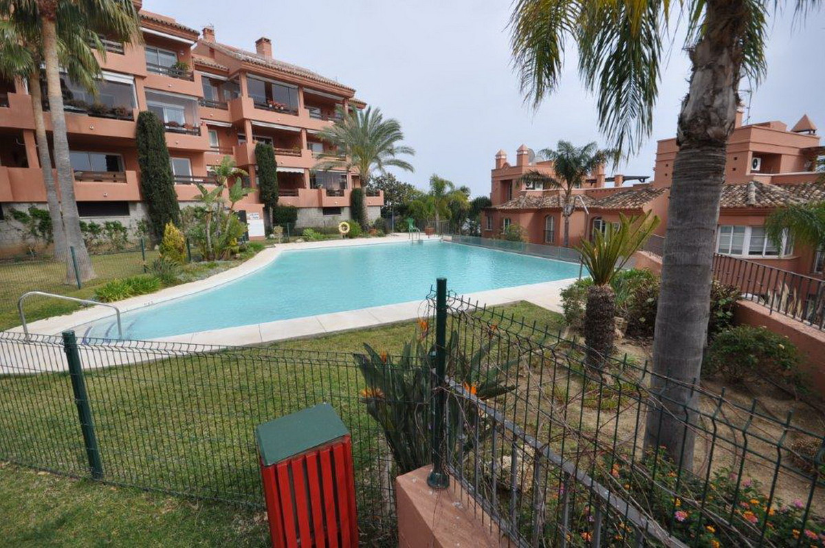 Ground Floor Apartment, Torreblanca, Costa del Sol. 2 Bedrooms, 1 Bathroom, Built 76 m², Terrace 10 , Spain