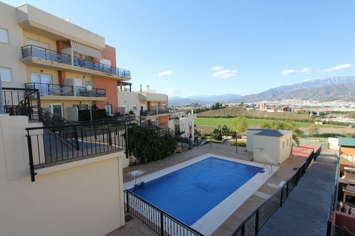 Middle Floor Apartment, Torre del Mar, Costa del Sol East. 2 Bedrooms, 2 Bathrooms, Built 111 m², Te, Spain