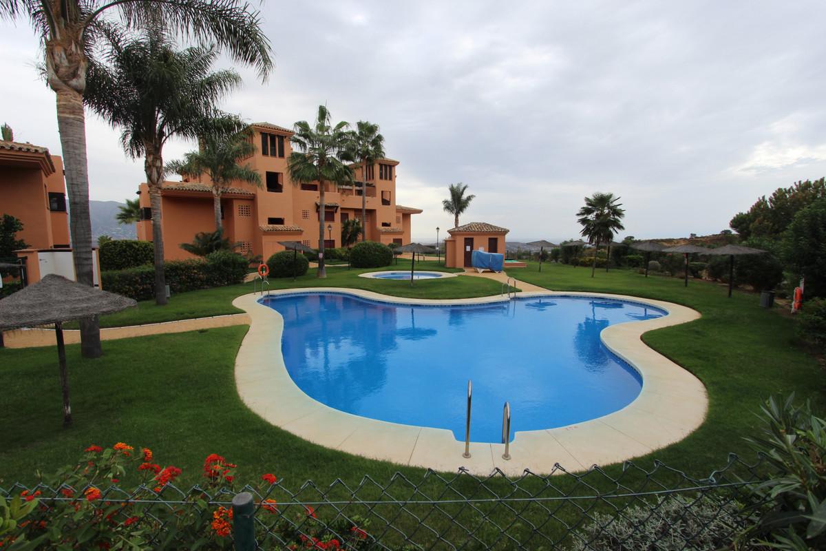 Apartament na środkowym piętrze w La Mairena R3497767