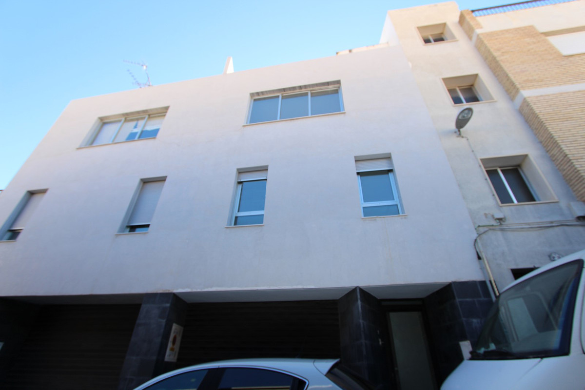 Townhouse, Motril, Granada (Costa Tropical). 4 Bedrooms, 3 Bathrooms, Built 270 m², Terrace 32 m².  , Spain