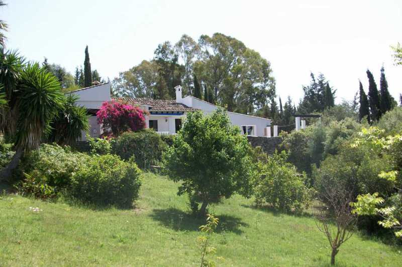 This unique property is situated in one of the greenest areas of Andalucia close to the village of J, Spain
