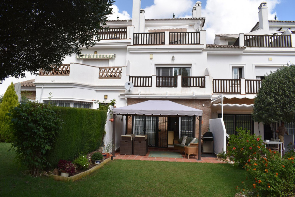 MAGNIFICENT TOWNHOUSE LOCATED IN A POPULAR GOLF COURSE IN ALHAURIN DE LA TORRE JUST 20 MINUTES FROM ,Spain