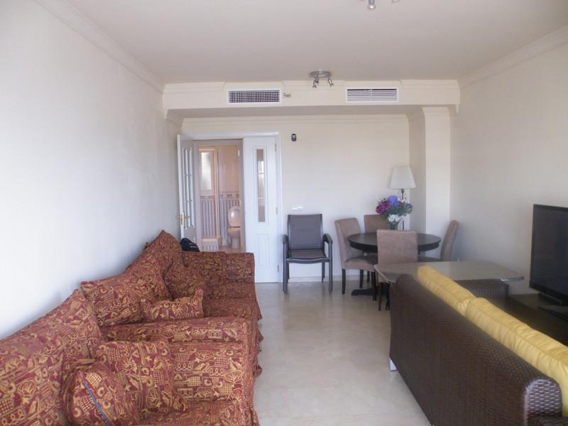 Apartamento Planta Media en venta, Calahonda – R3658427