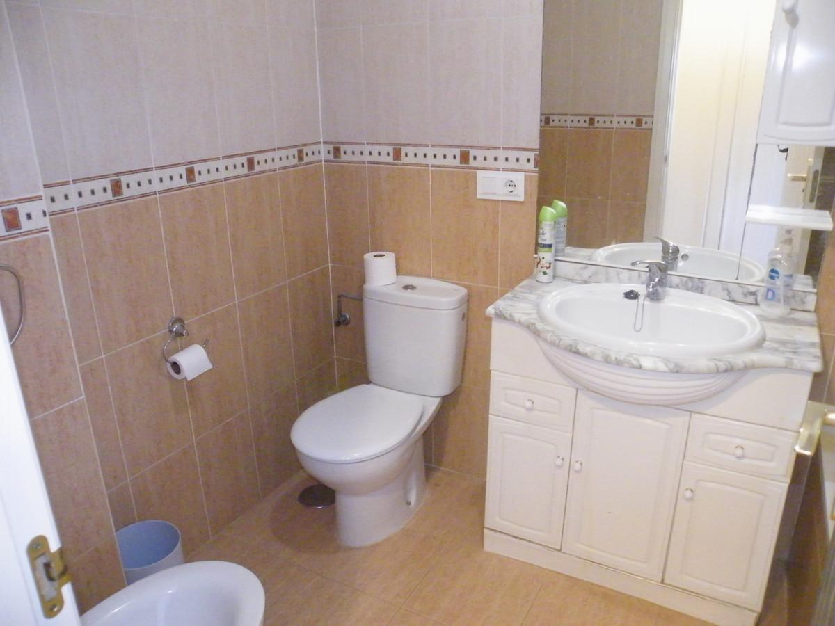 Apartamento en Venta en Calahonda – R3874099
