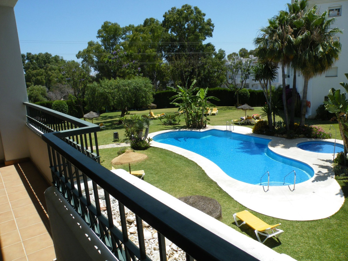 Superb opportunity to purchase this 2 bedroom, 2 bathroom apartment located on a much sought after c,Spain