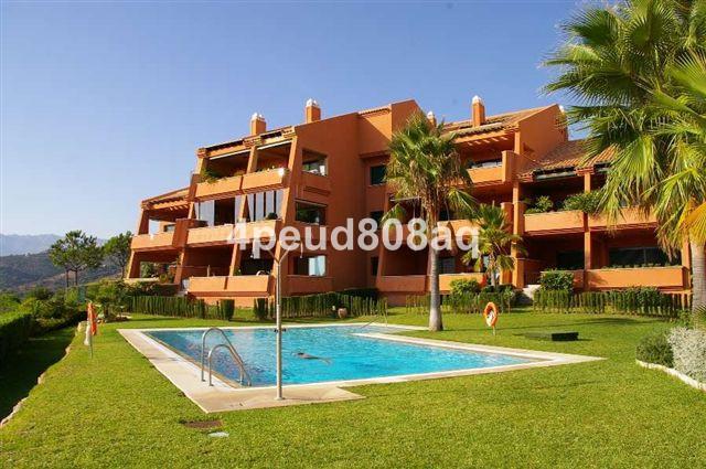 Marbella Banus Apartamento Planta Baja en Venta en El Rosario – R2047460