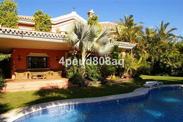 South facing partially furnished rustic style detached villa with 5 bedrooms, 5 bathrooms & 2 gu, Spain