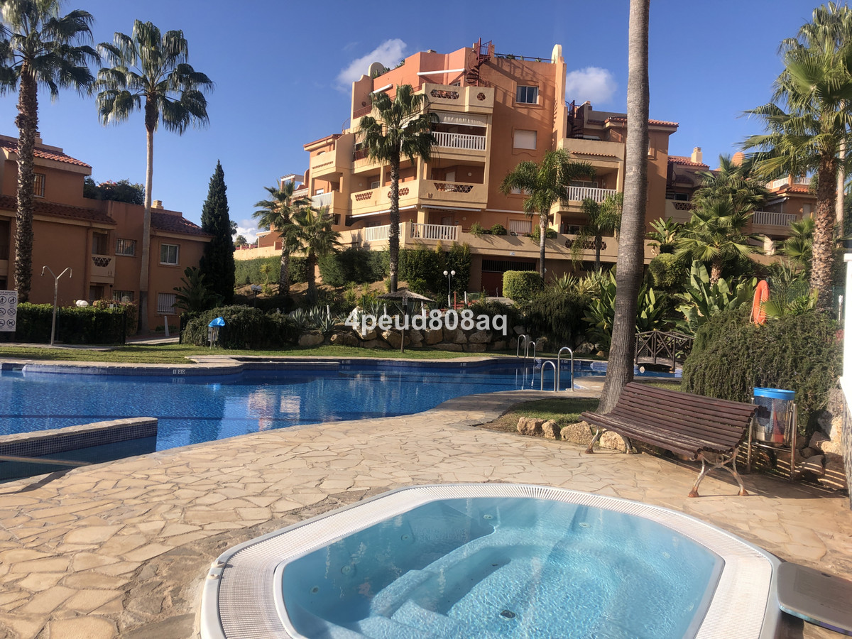 West facing unfurnished 2 bedroom, 2 bathroom (1 en-suite) penthouse apartment with roof terrace &am,Spain
