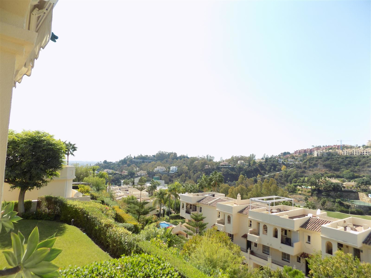 Absolutely immaculate duplex penthouse in La Quinta Hills! The main lounge/dining area has been refu,Spain