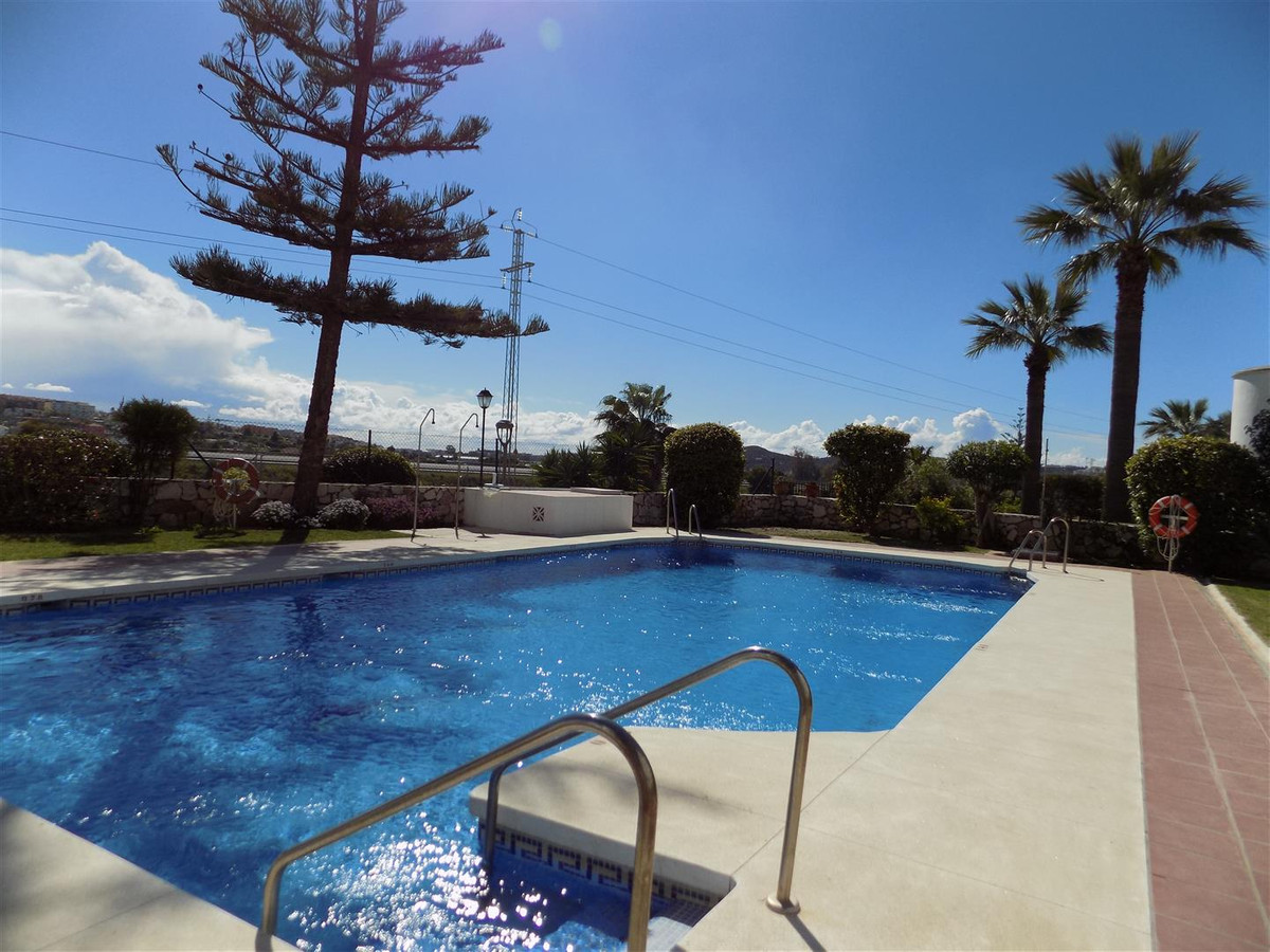 REDUCED FOR A QUICK SALE!!! This is a fantastic, great value for money, semi detached corner house w,Spain