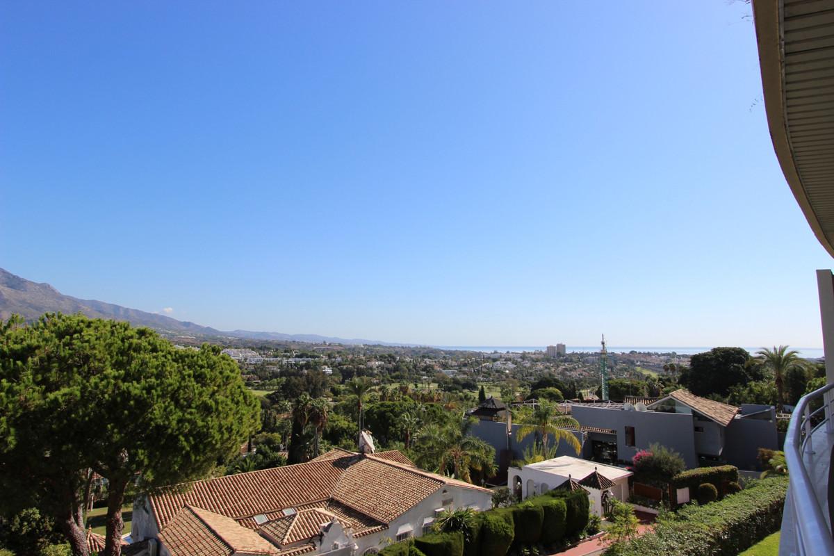 Marbella Banus Apartamento en Venta en Nueva Andalucía – R3738520