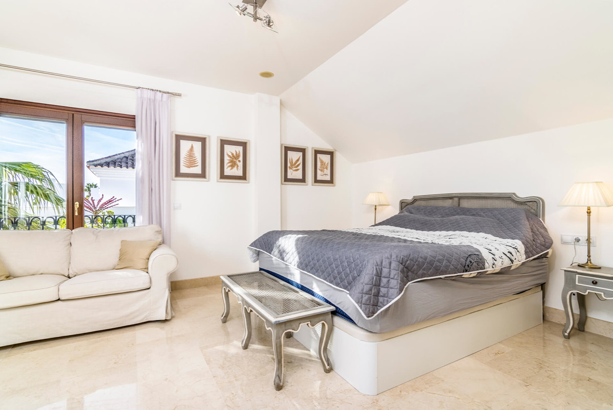 5 Bedroom Penthouse Apartment For Sale The Golden Mile