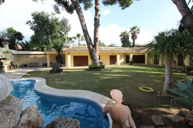 Villa  Detached for sale  and for rent  in Nagüeles