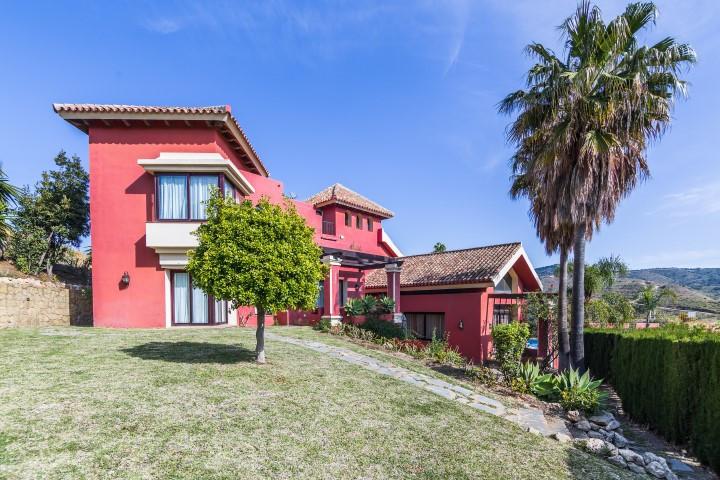 Fritliggende Villa i Hacienda Las Chapas R649052