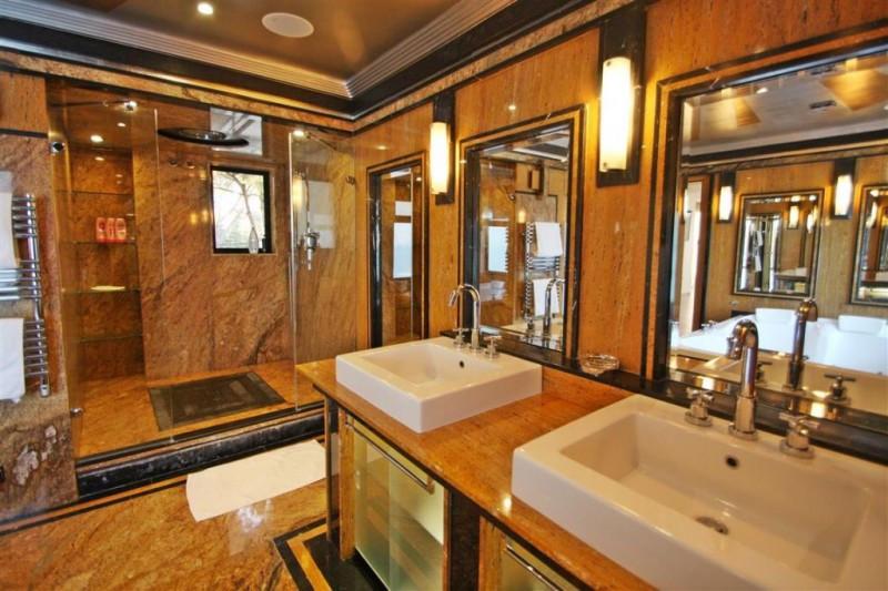 8 Bedroom Villa for sale Cabopino