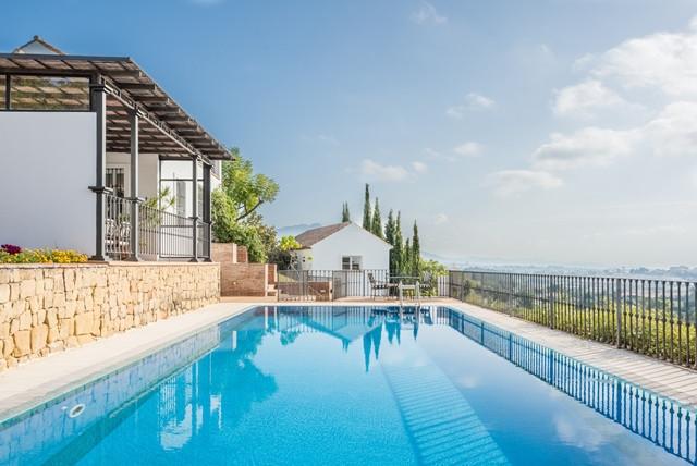 Villa Te Koop - El Paraiso