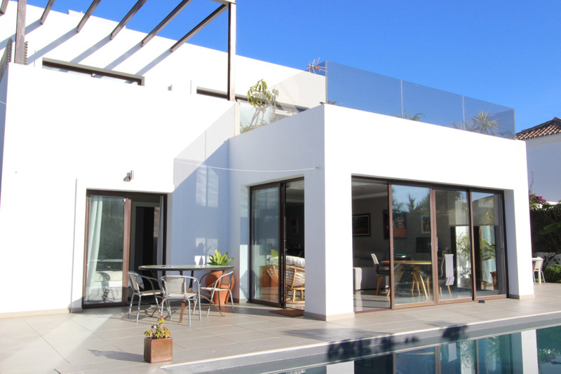 Villas for sale in Estepona (New Golden Mile) 9