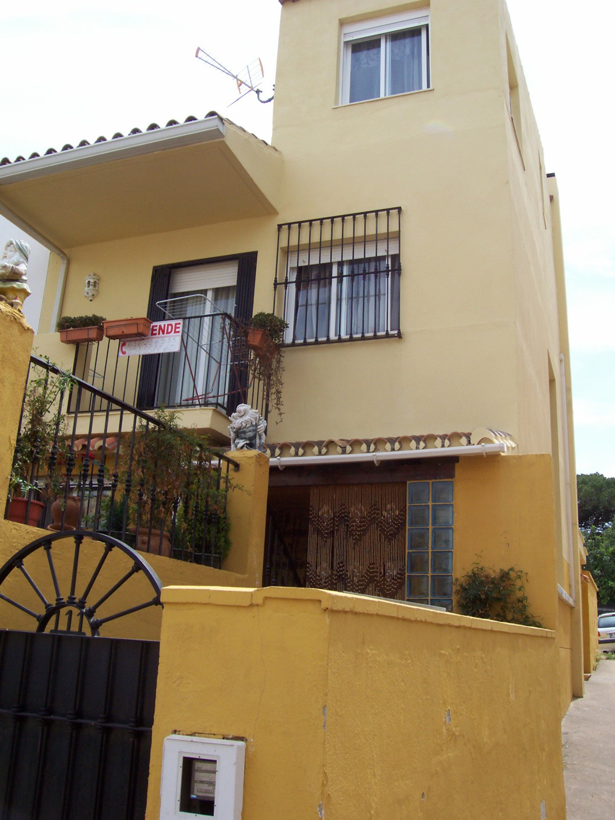 4 bed townhouse for sale marbella
