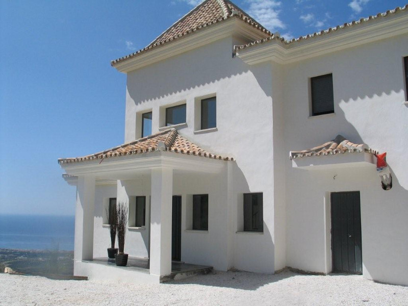 Detached Villa Los Monteros