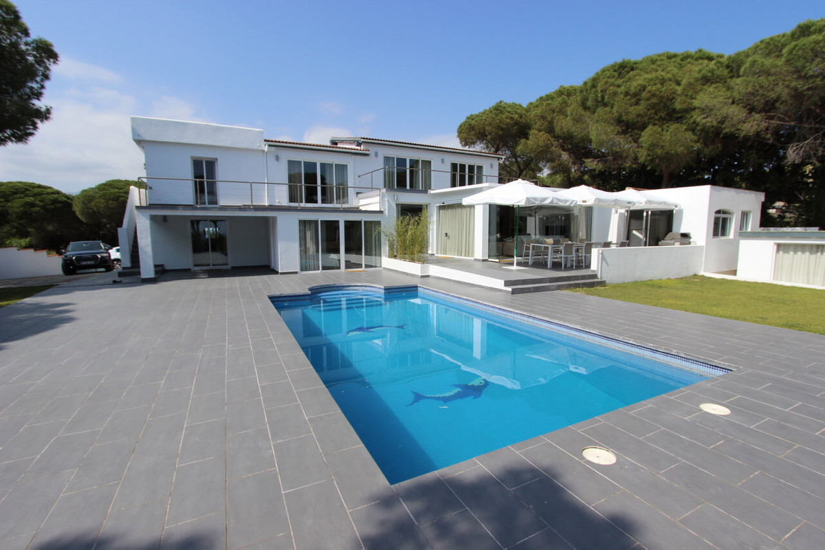 9 Bedroom Villa For Sale - Marbesa