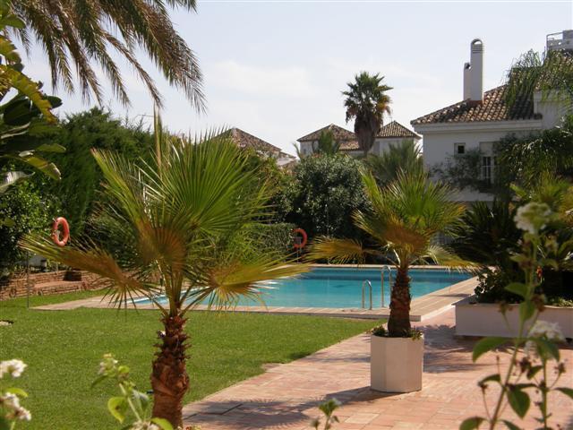 Marbella Banus Apartamento Planta Baja, Nueva Andalucía – R440470
