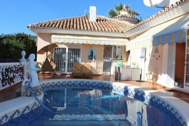 Villa 4 Dormitorios en Venta Fuengirola