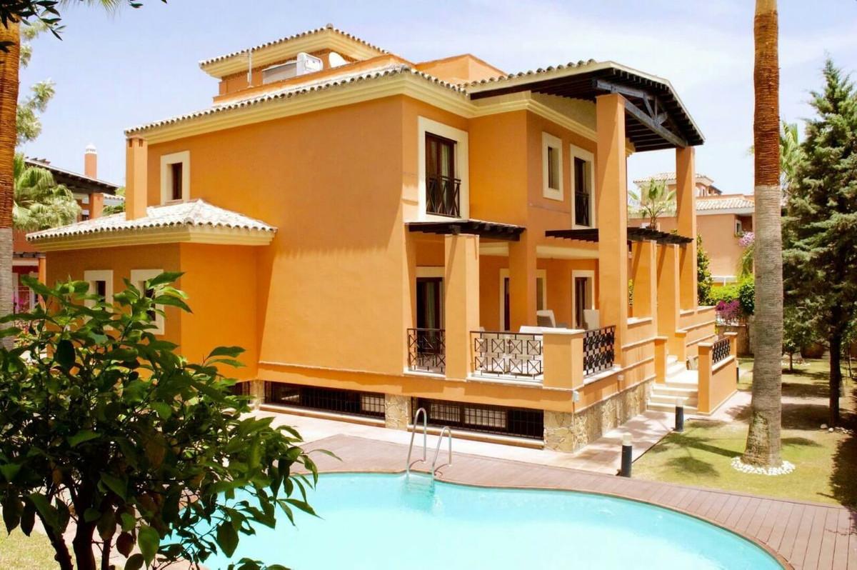 Vrijstaande Villa te koop in Los Monteros R2138090