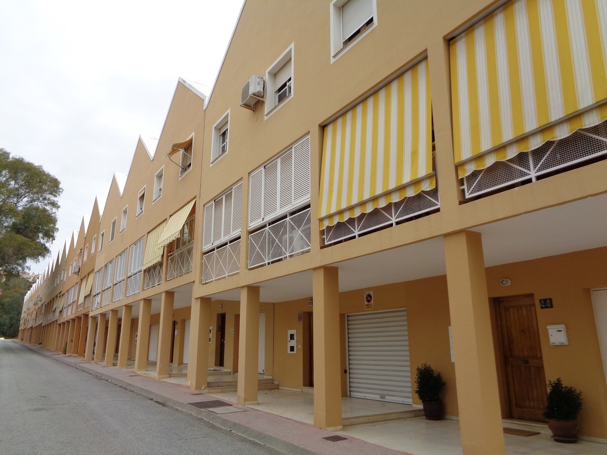 4 bedroom townhouse for sale malaga