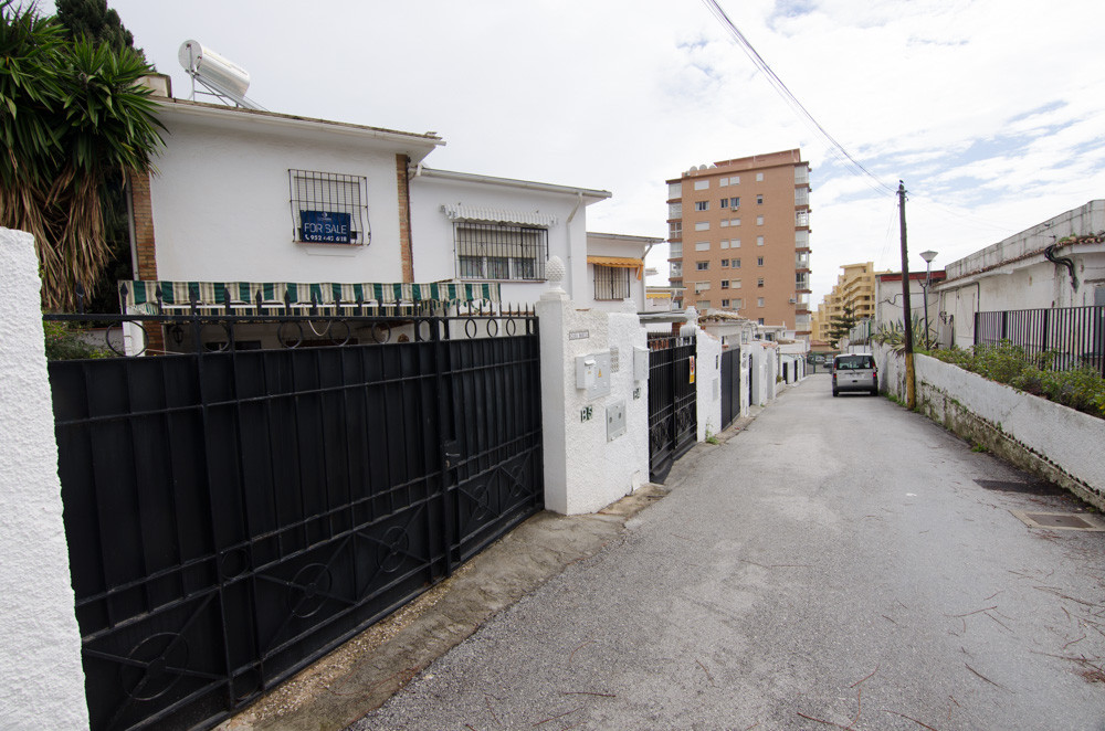 2 Bedroom Terraced Townhouse For Sale Benalmadena