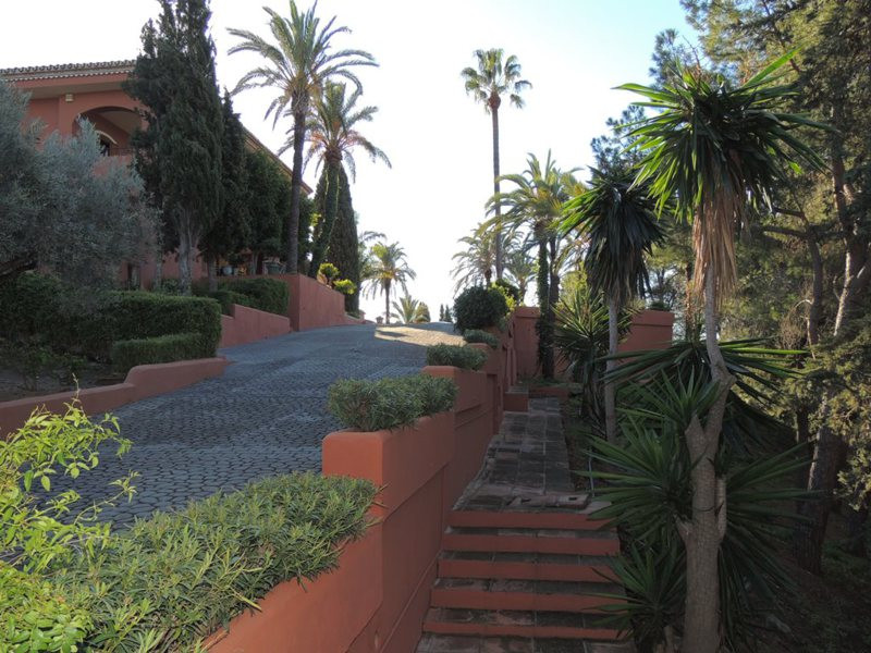19 Bedroom Villa for sale Estepona