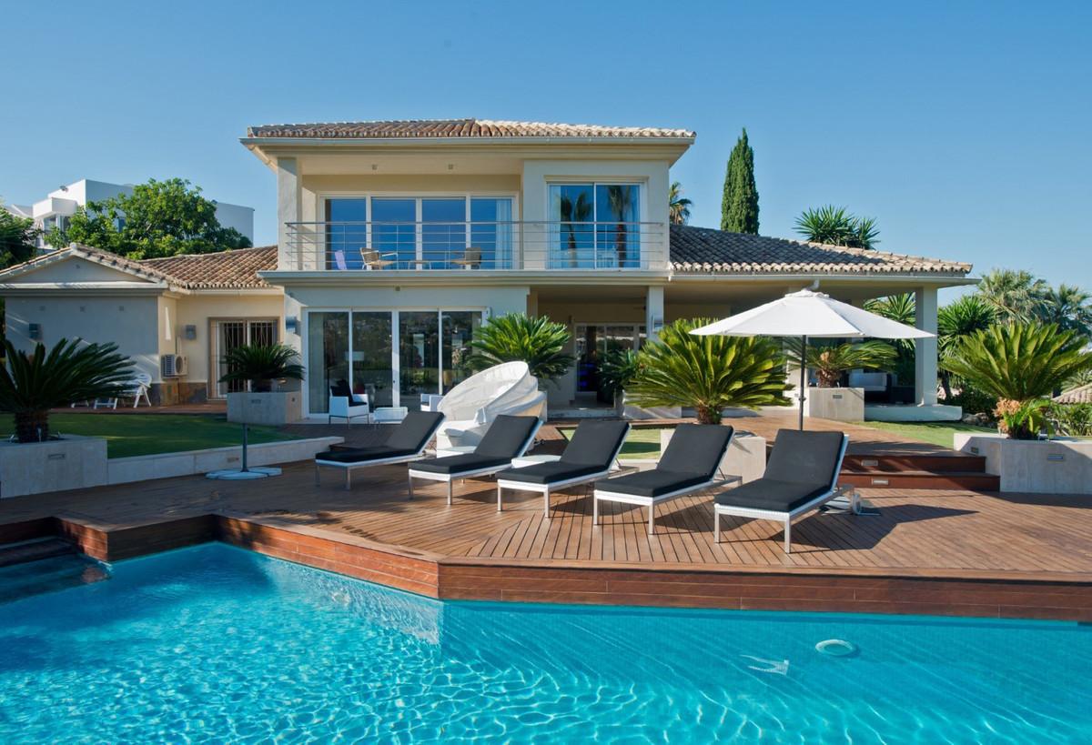 5 bed villa for sale nueva andalucia