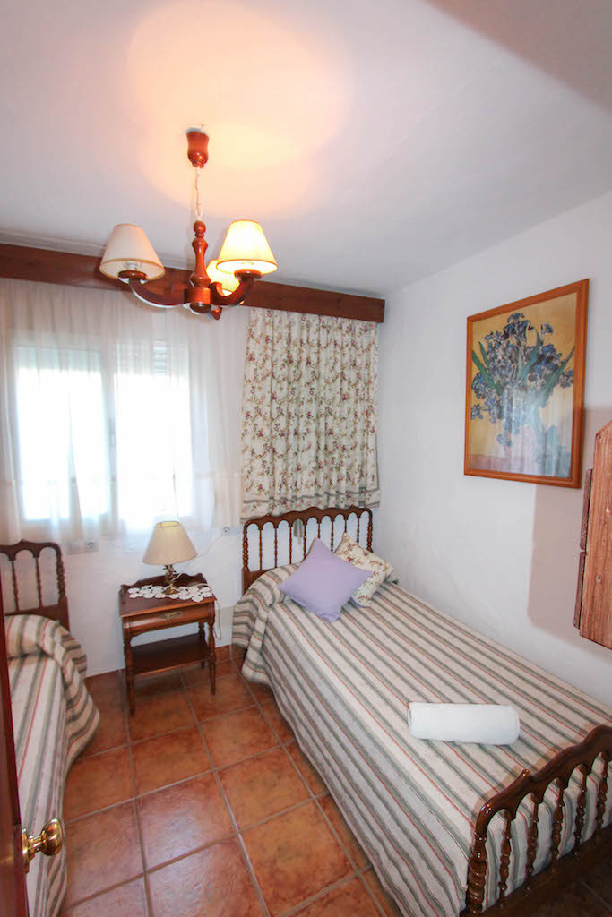 Villa te koop in Guaro R2532887