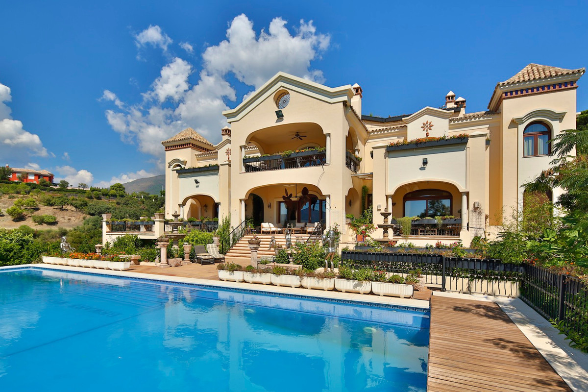 10 Bedrooms Villa For Sale - La Zagaleta