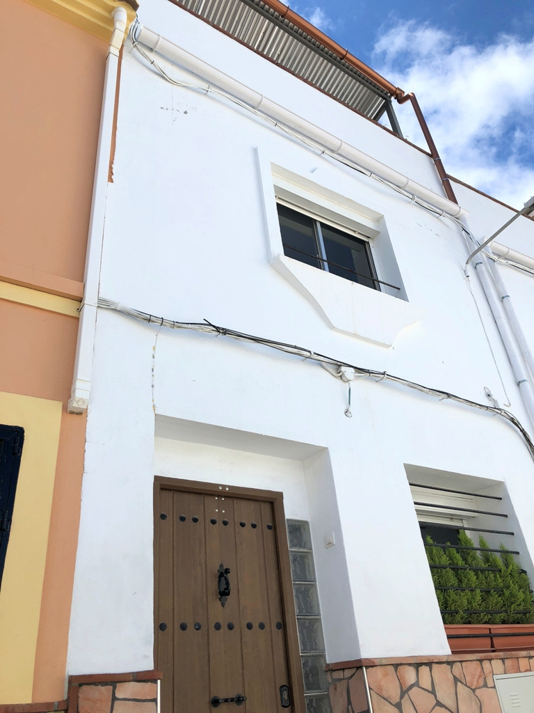 2 bedroom townhouse for sale coin