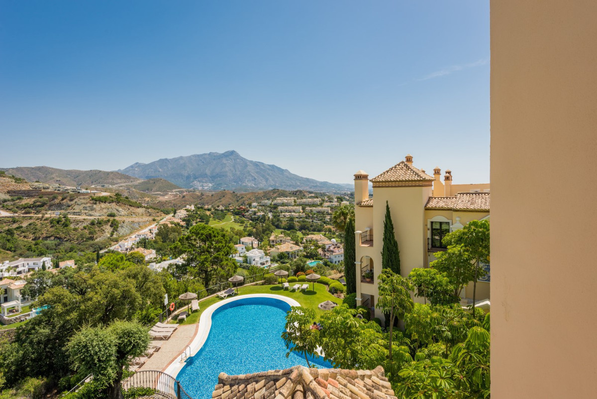 2 Bedroom Middle Floor Apartment For Sale La Quinta