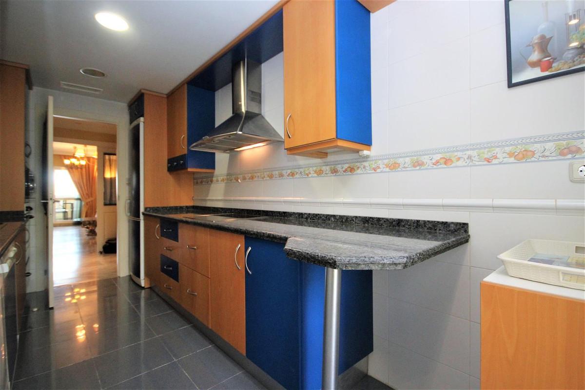 2 Bedroom Middle Floor Apartment For Sale Bahía de Marbella