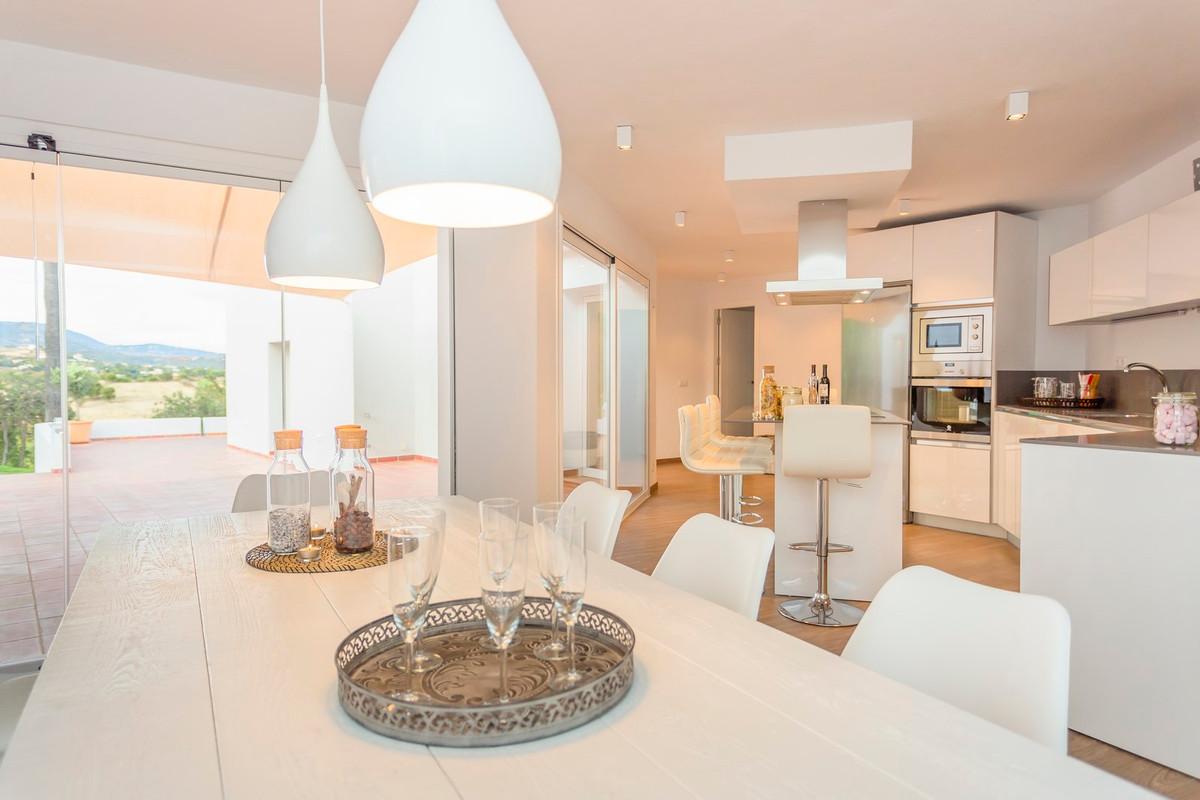 4 Bedroom Villa for sale Estepona
