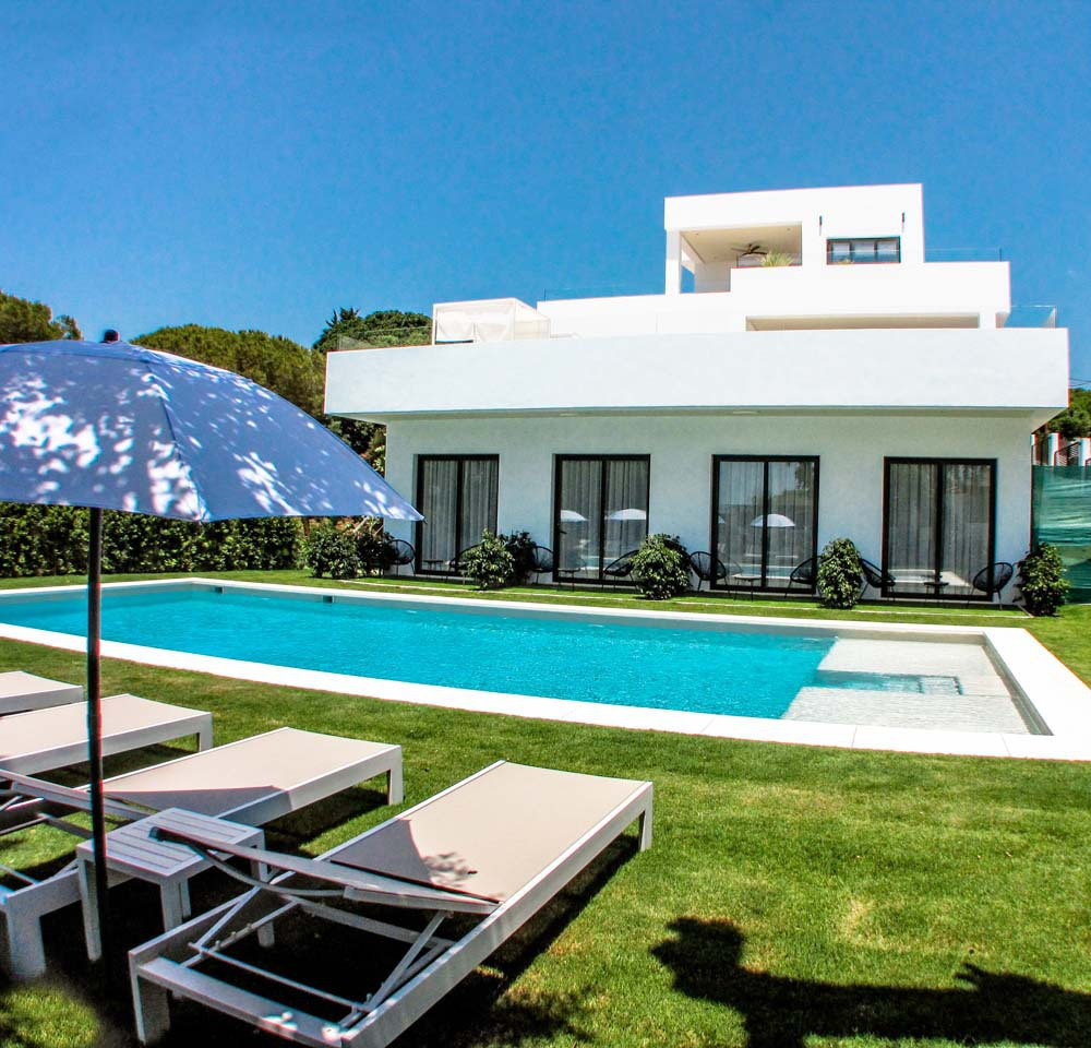 9 Bedroom Villa For Sale - Elviria