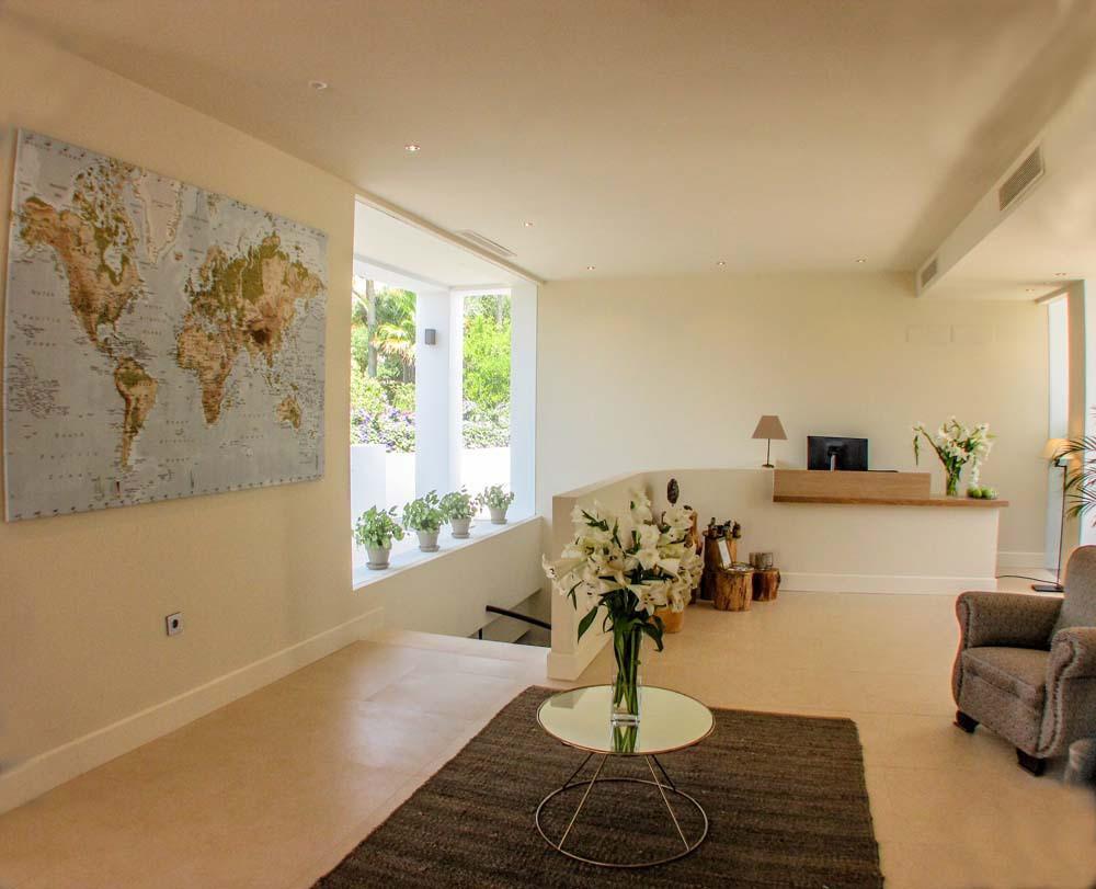 9 Dormitorio Villa en venta Elviria